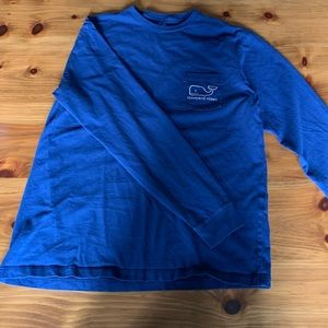 Blue vineyard vines long sleeved T-shirt
